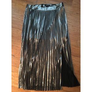 Trouve Silver Metallic Pleat skirt